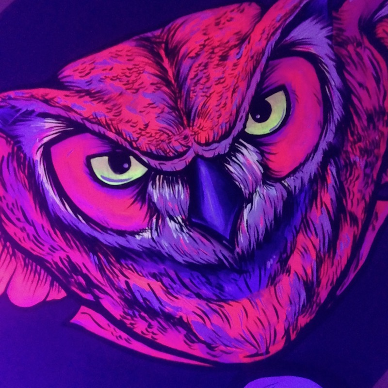 Fluorescent Owl for Wine Label